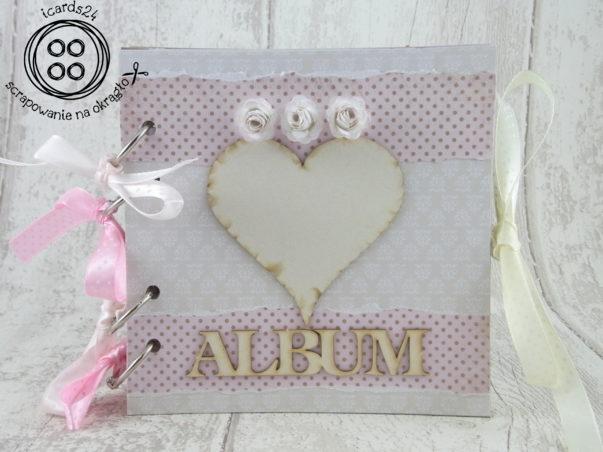 Różowy album dla dziewczyni