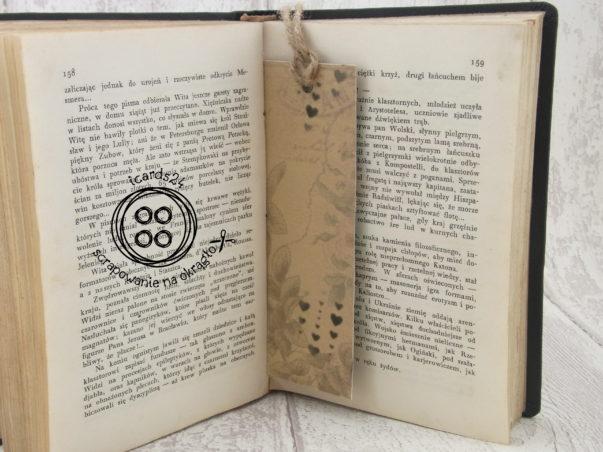 zakłądka do książki z serduszkami