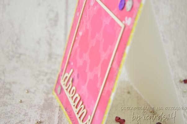 różowa kartka z ramką
