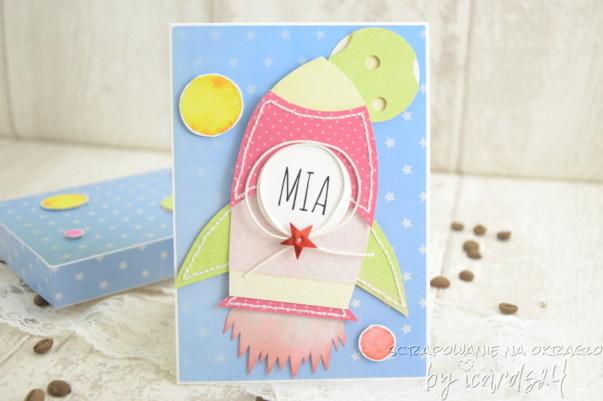 Urodzinowa kartka z rakietą dla dziewczynki