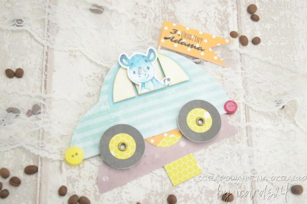 kartka w kształcie samochodu z wyciąganymi życzeniami